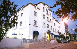 Hotel Flora Leir�a