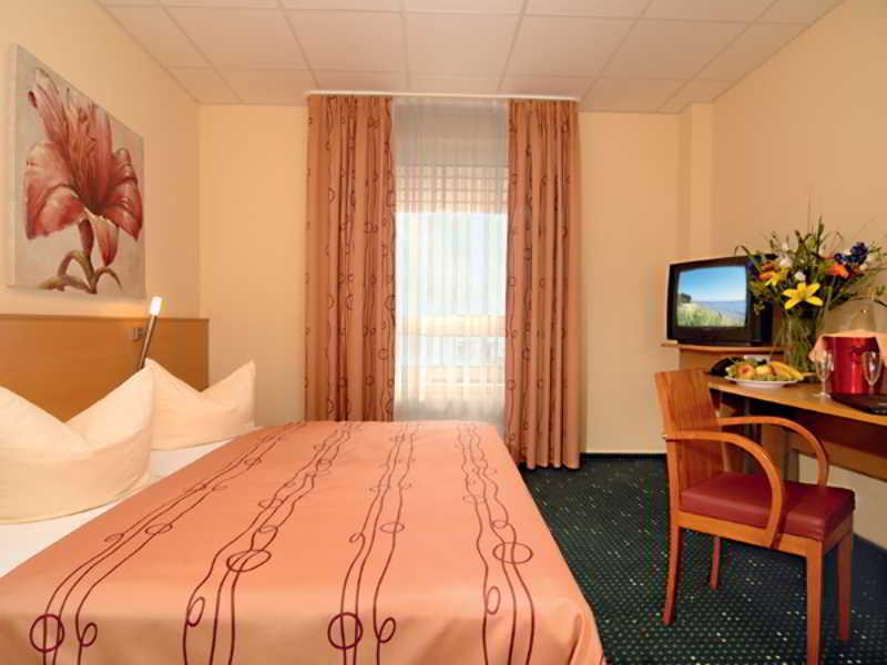 Center Hotel Drive Inn