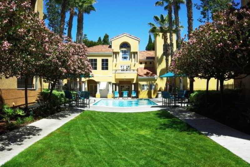 Sunshine Suites - La Jolla