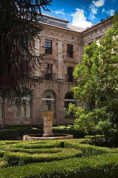 Hotel parador monasterio de corias cangas del narcea - Parador de cangas de narcea ...