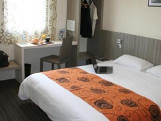 Viajes Ibiza - Brit Hotel Restaurant Le Cottage