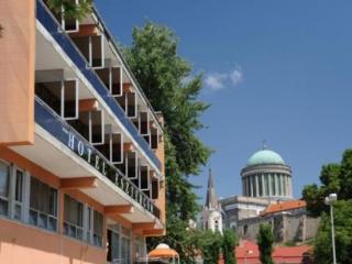 Hotel Esztergom in Budapest, Hungary
