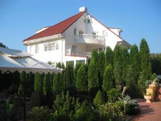 Club   Austria   Villa Iris
