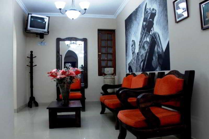 Casa quinta hotel boutique hotel en bogota viajes el for Casa quinta muebles bogota