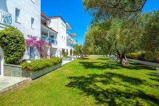 Xenios Faros Apartments