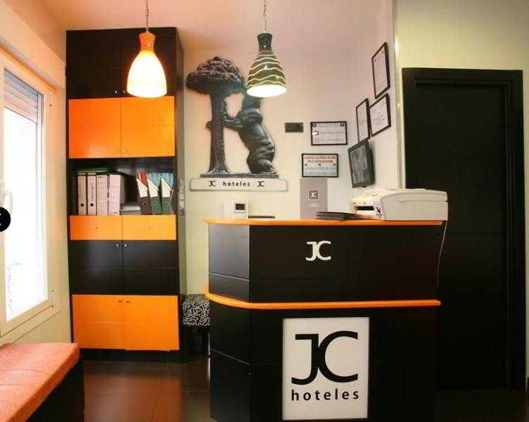 Precios y ofertas de hotel jc rooms puerta del sol en for Puerta 53 bernabeu
