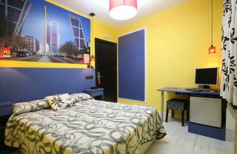 Precios y ofertas de hotel jc rooms puerta del sol en for Puerta del sol madrid mapa