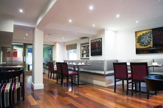 The New London Carlton Hotel & Apartments