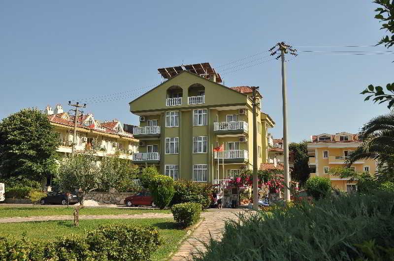 Apart hotel club ege apart hote hotel en marmaris for Corse appart hotel