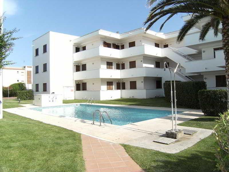 Apartamentos Cala Montgo