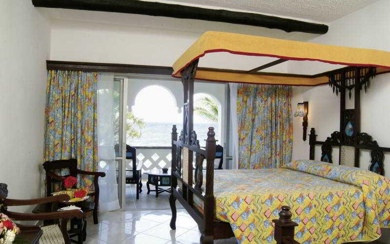 Southern Palms Beach Hotel