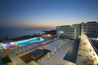 King Evelthon Beach Hotel & Resort