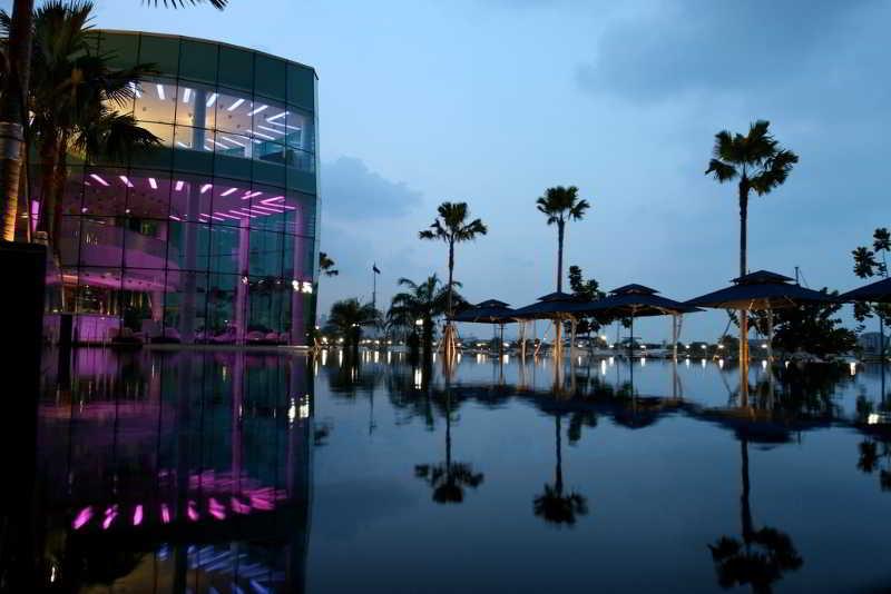 One 15 Marina Club