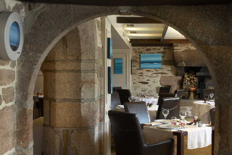 Hostellerie Pointe St-Mathieu,The Originals Relais