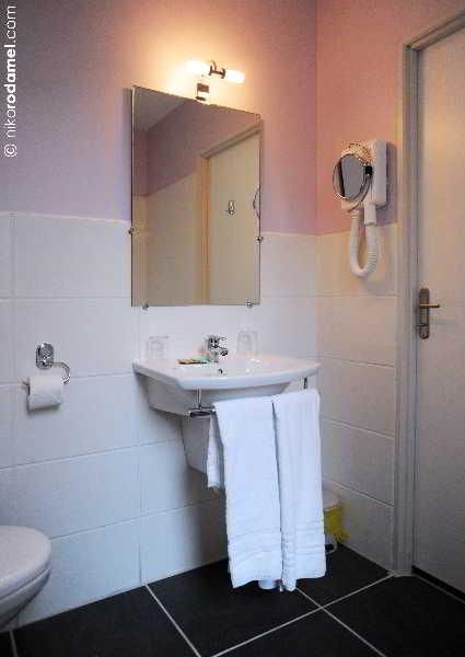 hotel inter hotel du cheval noir st etienne viajes olympia madrid. Black Bedroom Furniture Sets. Home Design Ideas