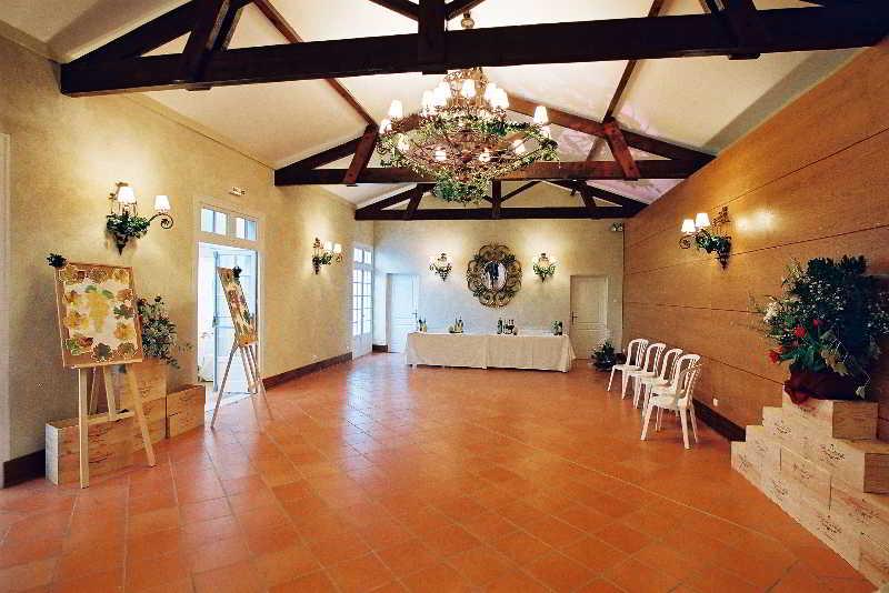 http://www.hotelbeds.com/giata/23/232103/232103a_hb_l_050.jpg