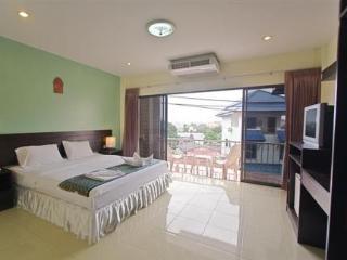 Absolute Guesthouse - Hoteles en Phuket Centro