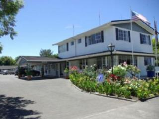 Colonial Motor Lodge