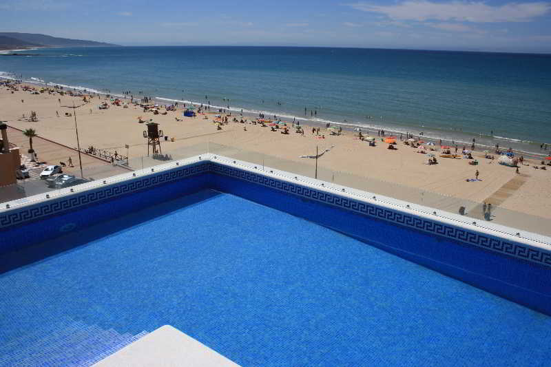 Playa barbate apartamentos turisticos for Piscina trafalgar