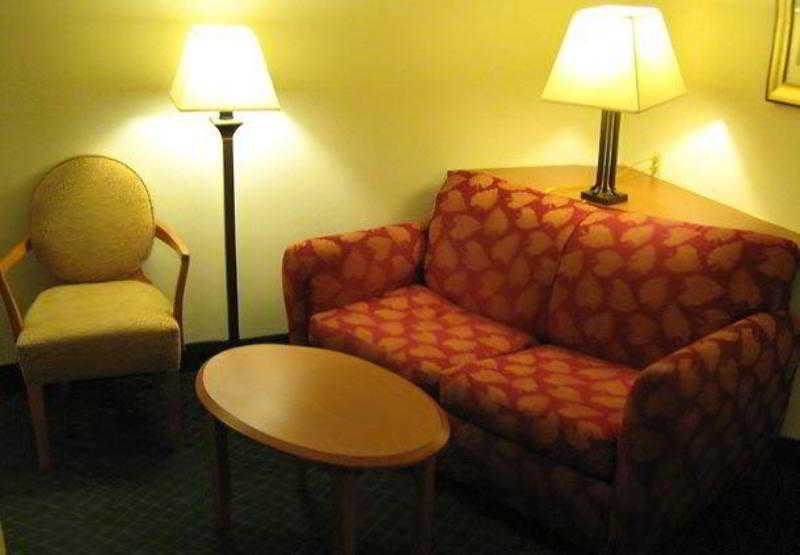 博蒙特費爾菲得套房酒店