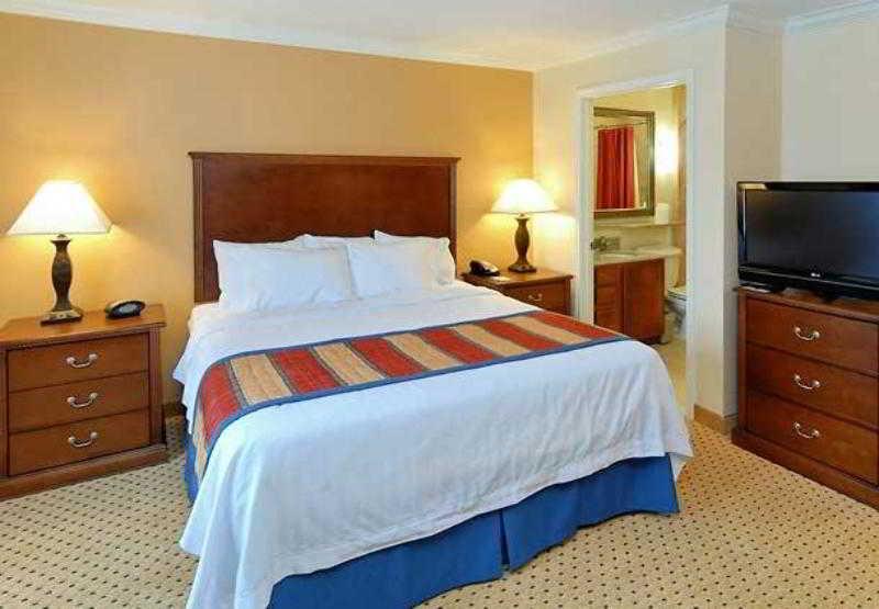 休斯頓伍德蘭茲湯普雷斯套房酒店