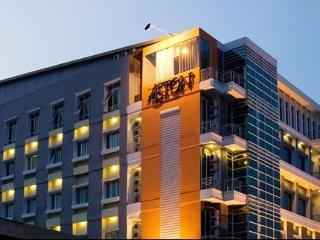 OYO 1729 I-shine Hotel