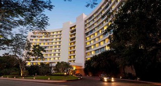Lakeside Chalet, Mumbai - Marriott Executive Apt