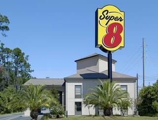 Super 8 by Wyndham Diberville Biloxi Area