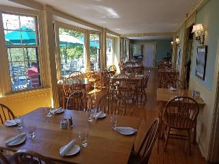 Asticou Inn