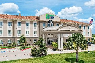Holiday Inn Express Hotel & Suites Cotulla