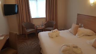 Skylark Hotel & Conference Center