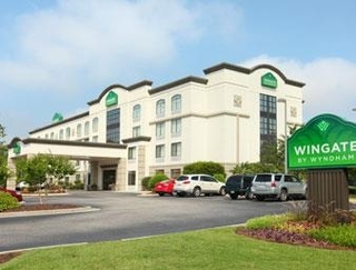 WINGATE BY WYNDHAM FAYETTEVILLE/FORT BRAGG