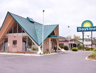 Days Inn by Wyndham Perry