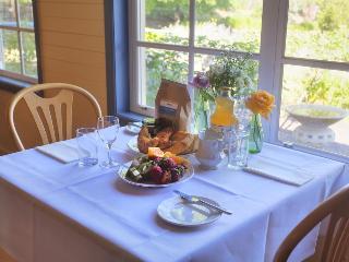 Vineyard Cottages & Café