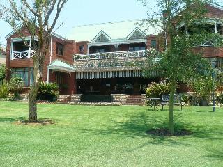 The Woodpecker Inn