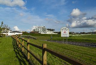 Holiday Inn Express London-Epsom Downs