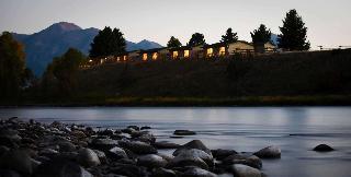 Yellowstone Valley Lodge