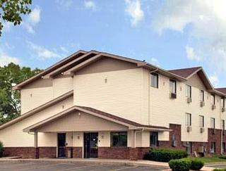 Super 8 Motel - Lansing