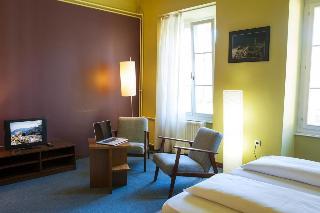 Macek Rooms