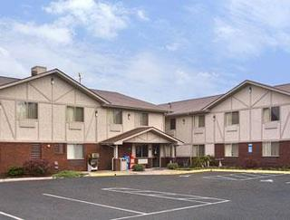 Super 8 by Wyndham Appomattox VA