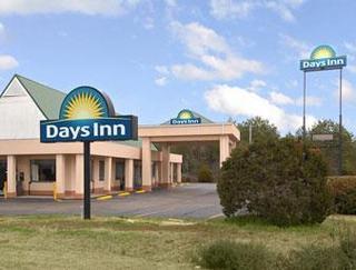 Days Inn by Wyndham Meridian