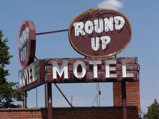 Dude/Roundup Motel