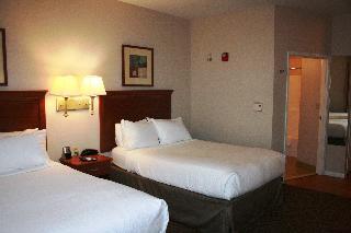 麥卡萊斯特燭木套房酒店