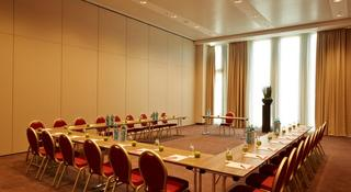 RAMADA Hotel & Conference Center München Messe