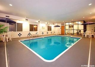 Comfort Inn & Suites Quad Cities - East Moline