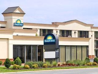 Days Inn by Wyndham Hampton Coliseum