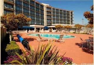 Oakland Airport Executive Hotel