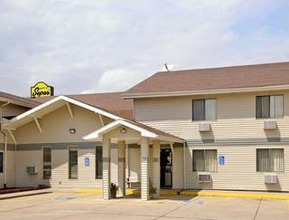 Super 8 by Wyndham Oskaloosa IA