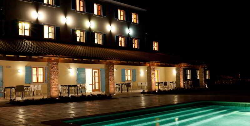 Hotel & Restaurant Velanera