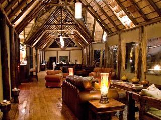 Bush Lodge- Amakhala Game Reserve
